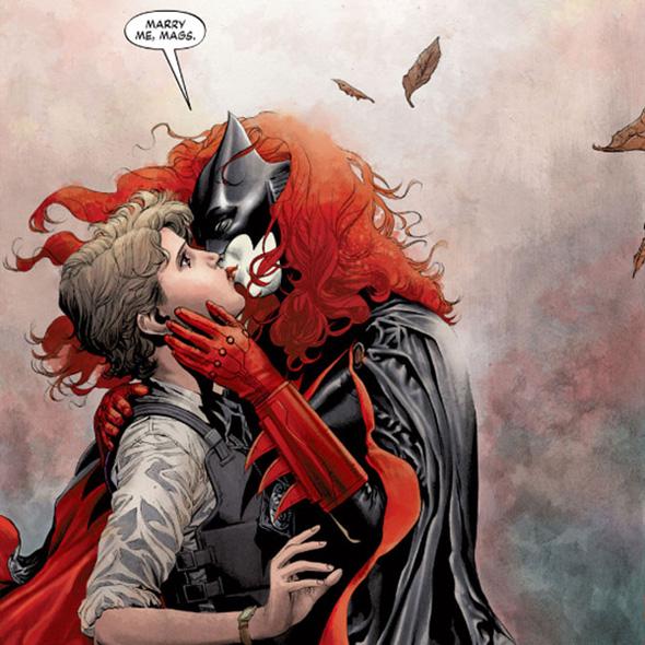 Batwoman bacio Maggie Sawyer